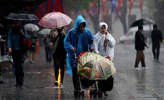Meteoroloji'den Uyarı Üstüne Uyarı Geldi ! 3 Şehre Sağanak Yağış Geliyor
