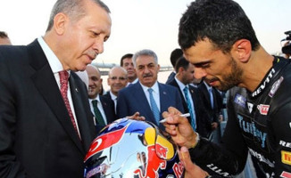 Milli Motosikletçi Kenan Sofuoğlu, Sakarya'dan AK Parti Milletvekili Adayı Oldu!