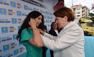 AK Partili Eski Belediye Başkanın Kızı İyi Parti'ye Katıldı