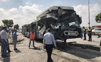 Başkent'te Korkunç Kaza! Otobüsler Birbirine Girdi Ölü ve Yaralılar Var