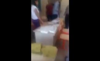 Suruç'ta Bir Okulda Sandığa Paketlenmiş Oy Atıldı!