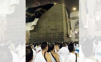Mekke ve Arafat'ta Fırtına Kabusu: Kabe'nin Örtüsü Uçtu