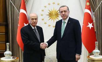 MHP Genel Başkanı Bahçeli'den Cumhurbaşkanı Erdoğan'a Tebrik