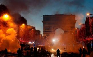 Fransa'da akaryakıt zammı protestoları dinmek bilmiyor