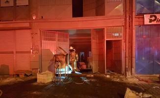 İkitelli Marmara Sanayi Sitesi yangın haberleri- Kozmetik fabrikasında yangın