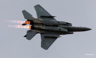 İsrail, Suriye'de savaş uçağının düşürüldüğünü yalanladı
