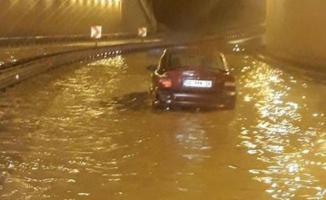 İzmir, Aydın, Muğla, Denizli ve Antalya için sağanak yağmur- Sel Uyarısı