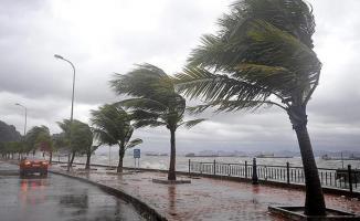 Son Dakika ! Meteoroloji Fırtına İçin Saat Verdi