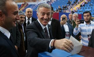 Ahmet Ağaoğlu, TrabzonSpor'a yeniden başkan seçildi