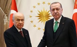 AK Parti İstanbul'da 2 ve Ankara'da 3 İlçe'de MHP'ye Bıraktı