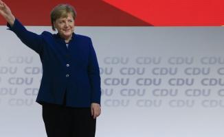 Almanya Başbakanı Merkel resmen veda etti