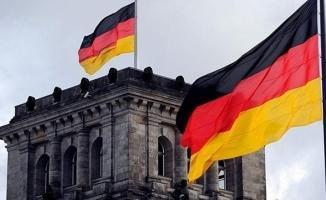 Almanya'da bomba bulundu, bölgede 8 bin kişi tahliye edildi