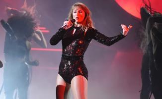 Amerikalı şarkıcı Taylor Swift'in verdiği konserlerde hayranlarını fişlediği ortaya çıktı