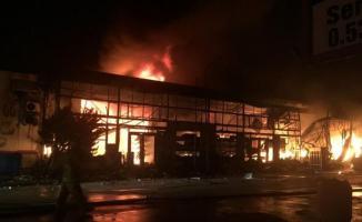 Balıkesir Bandırma'da Örnek Sanayi Sitesi'nde yangın çıktı