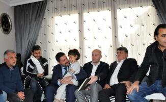Beşiktaşlı yöneticiler, hayatını kaybeden Mehmet Tutulkan'ın ailesini ziyarete gittiler