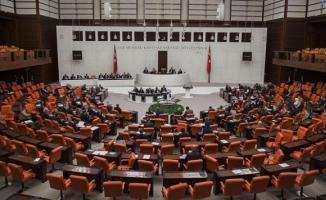 Deniz Baykal'ında aralarında bulunduğu 17 milletvekili hakkında Meclise fezleke verildi