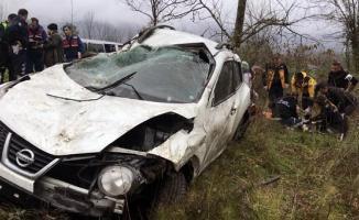 Düzce TEM Otoyolu Sakarya sınırında kaza- 3 yaralı
