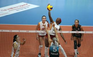 Galatasaray HDI Sigorta, Kameroğlu Beylikdüzü Voleybol İhtisas'ı 3-2 yendi