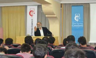 İzmir'de kız çocuklarına aşağılayıcı ifadeler kullanan Prof. Dr. İbrahim Emiroğlu görevden alındı