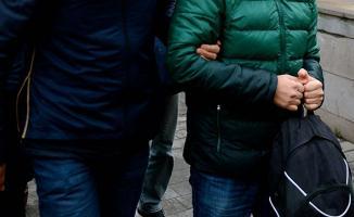 İzmir FETÖ soruşturmasında doktor, öğretmen ve avukatlarında bulunduğu 19 kişi hakkında gözaltı