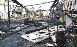 Sakarya Karasu'da, Çarşıda çıkan yangında 30 dükkan küle döndü
