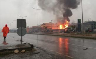 Şanlıurfa Bozova İlçesinde akaryakıt istasyonunda patlama!