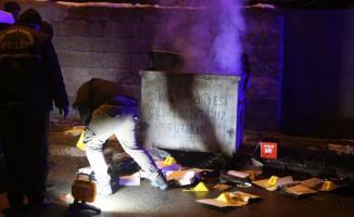 Sivas'ta resmi bir kuruma ait belgeler, çöp konteynerinde yakılmak istendi