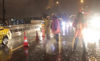 Unkapanı köprüsü araç ve yaya trafiğine kapandı