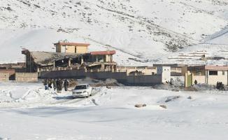 Afganistan'da Askeri Üsse Saldırı! 100'den Fazla Ölü Var