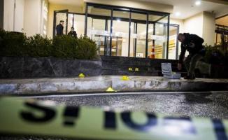 Alışveriş Merkezi Önünde Dehşet: Kurşun Yağdırdılar