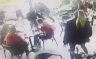 Avcılar'da lüks bir kafede iki zanlı bir genci muştayla öldüresiye dövdü