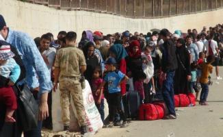 Bayramı Suriye'de geçiren son gurup göçmenler de Türkiye'ye geri döndü