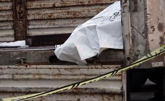 Düzce'de, TIR dorsesinden yük indirirken kalp krizi geçiren sürücü hayatını kaybetti