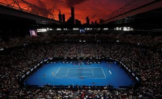 Erkeklerde Rafael Nadal, tek kadınlarda ise Angelique Kerber üst tura çıktı