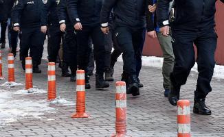 Eski bakanlık çalışanı 34 kişiye FETÖ soruşturması kapsamında gözaltı kararı