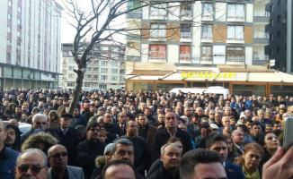 Hataylılar, hakkında soruşturma başlatılan CHP'li Belediye Başkanı Lütfü Savaş için toplandı