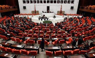 Milletvekillerine 9 Bin 700 Lira, Emekli Vekillere 6 Bin 30 Lira Promosyon Verildi