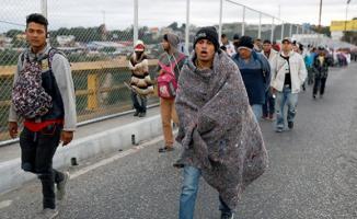 Orta Amerikalı yeni göçmen kafilesi Meksika sınırına ulaştı