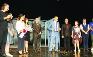 Adana Devlet Tiyatrosu tarafından 'Yarınlara Geç Kalmadan' oyunu 5 ilde seyircinin karşısına çıkacak
