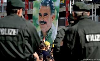 Almanya'da bir kişi, terörist başı Abdullah Öcalan için kendini yaktı
