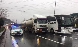 Anadolu Otoyolu'nda kaza trafiği aksattı