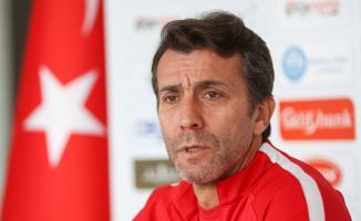 Antalyaspor, lideri puansız göndermek istiyor