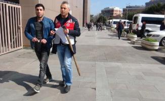 Bakırköy Adliyesine baltayla gelen kişi gözaltına alındı