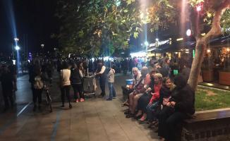 Çanakkale'de meydana gelen deprem nedeniyle vatandaş geceyi sokakta geçirdi