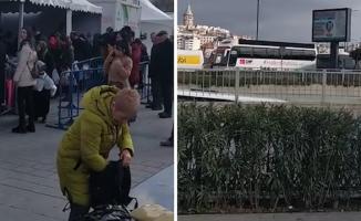 CHP Seçim Otobüsü Tanzim Çadırı Önünde Domates, Biber Patlıcan Şarkısını Çaldı!