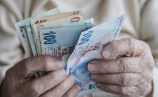 Emekliler 3 maaş tutarında avans çekebilecekler