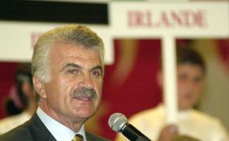 Eski Devlet Bakanı Fikret Ünlü vefat etti