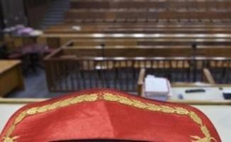 Eski Yargıtay üyesi Dursun Altınöz'e, FETÖ üyeliğinden 7 yıl 6 ay hapis cezası verildi