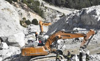 GÜNCELLEME 2 - Muğla'da maden sahasındaki heyelan