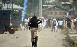 Hindistan'da büyük çatışma- 3 isyancı öldürüldü